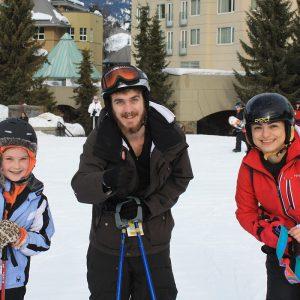 icd-leaders-smiling-skiers